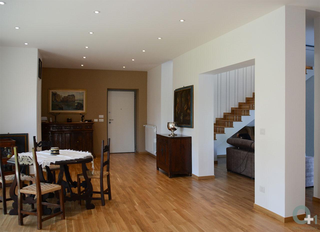 Ristrutturazione casa unifamilare con scala in legno e tiranti in acciaio mobili di antiquariato - Ristrutturazione mobili legno ...