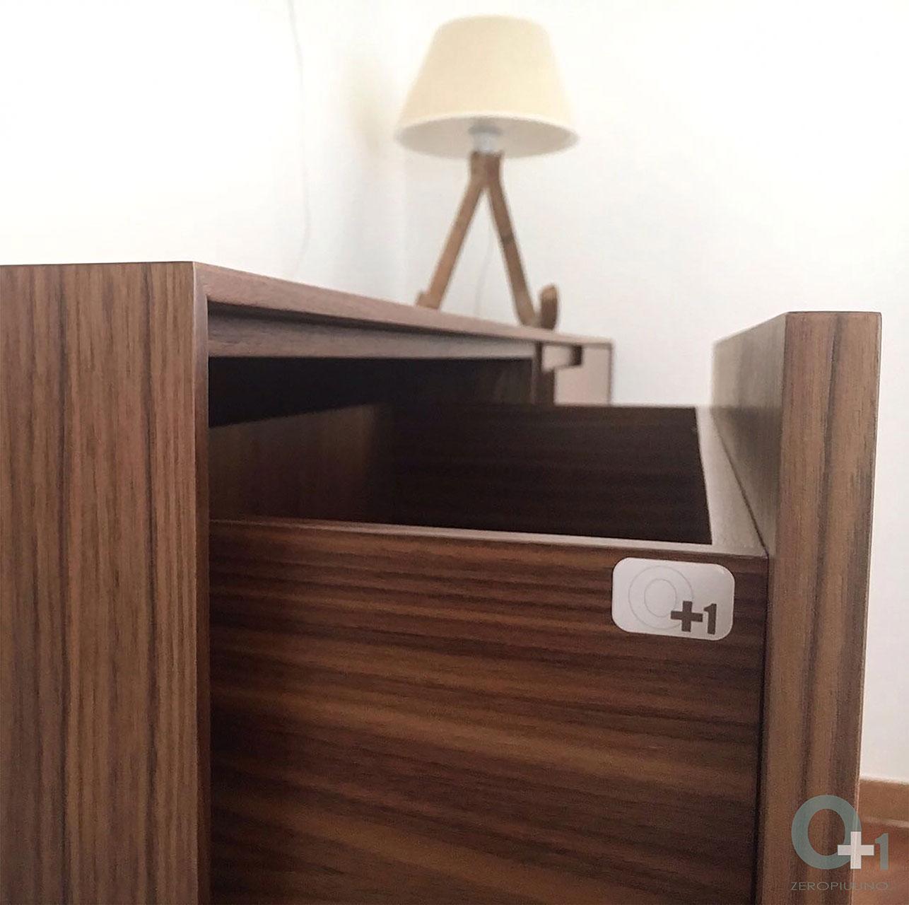 cassettiera-per-camera-da-letto-con-cassettoni-in-noce-canaletto ...